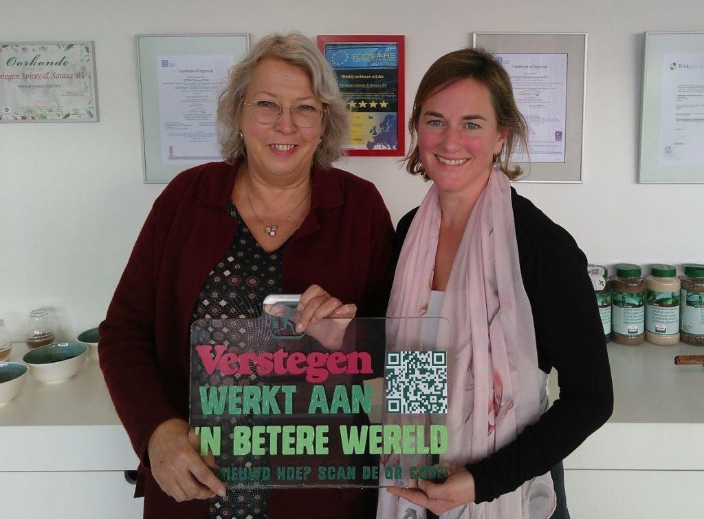 bewerkte Foto MvK - Ilona bij Verstegen na interview - formaat 2 MB